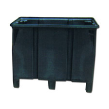 9013 Plastic Forkliftable Containers